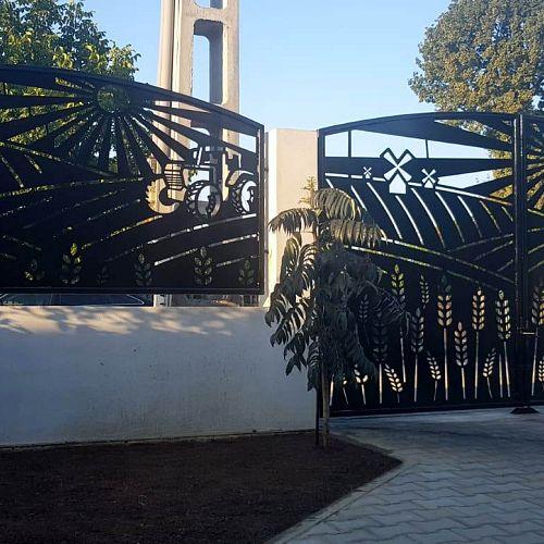 Panouri gard si porti din tabla decupata